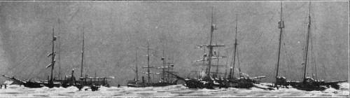 DEN AMERIKANSKE HVALFANGERFLAATE VED HERSCHELØEN 1905-1906.