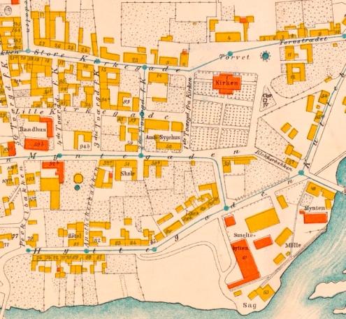 Utsnitt av N.S. Krums kart over Kongsberg fra 1884. Christine Koren hadde losji i 1ste Tvergade, rett overfor kirken. Bergseminaret ligger på den andre siden av Torvet ved Kirken. Nasjonalbiblioteket NA kart 25