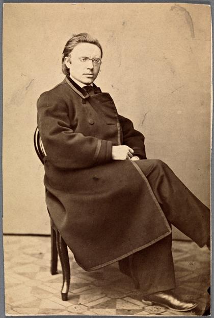 Visittkort med portrett av Jonas Lie, 1860-årene (Nasjonalbiblioteket)
