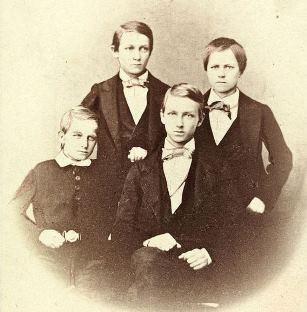 Colletts sønner: Robert, Alf, Oscar og Emil