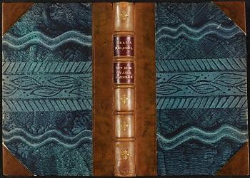 Halvbind med skinnrygg og -hjørner, dekorert papirovertrekk